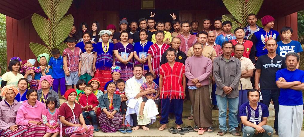 Misioneros de Yarumal en Asia, Caminando paso a paso